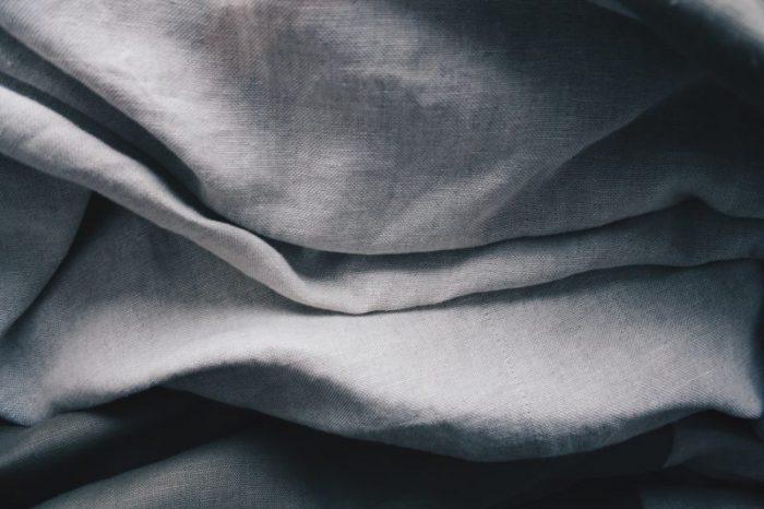 frisch gewaschener Leinenstoff von Stofftaschentüchern